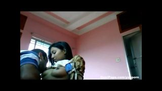 Indian homemade sex video of desi girl with her boyfriend boobs sucked and blowjob