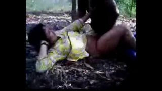 Bengali horny virgin teen gf xxx fucked by bf in jungle