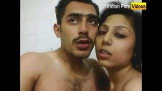 Young desi couple sex in hotel room