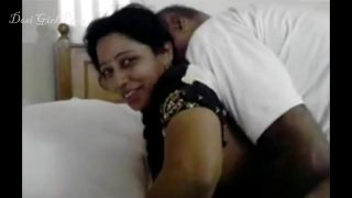 Amateur XXX Desi Hot Aunty Sex With Old Uncle In Indian xxx porn video