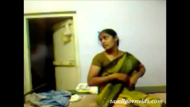 Tamilxxx – hot mallu wife sex with driver in tamil porn video.