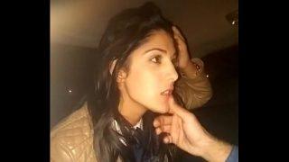 Indian Desi XNXX Hot And Sexy Girl Blowjob in Car