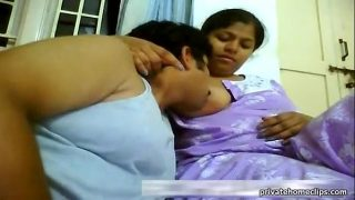 tamil xxx south mallu aunty big boobs sucked by uncle