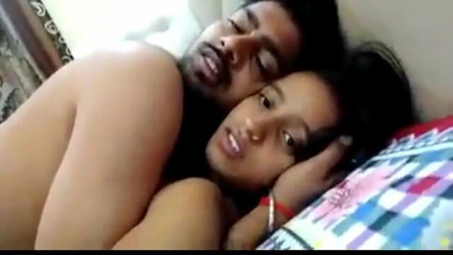 video xxn xx young hot amateur desi couple having xxx sex on webcam