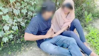 desi girl blowjob fucked in jungle with her boyfriend outdoor public sex